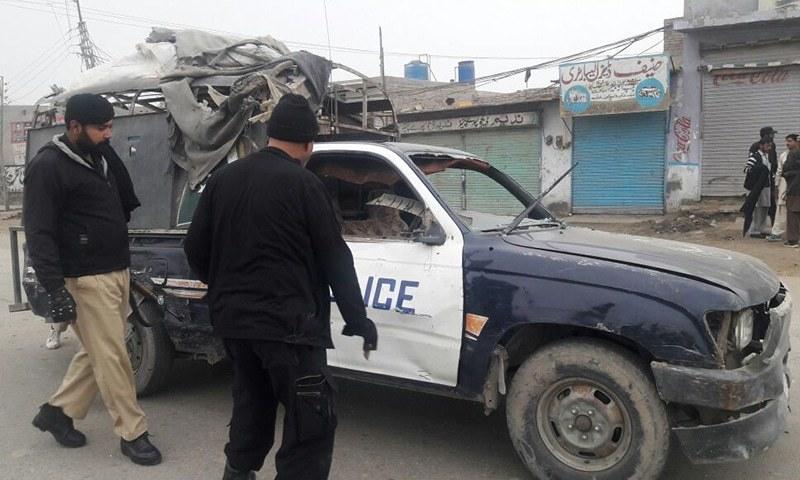 Ten, including 4 policemen injured in roadside blast in DI Khan