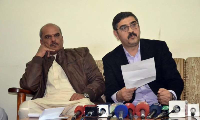 Balochistan government spokesman Anwar ul Haq Kakar speaking at a press  conference. —Photo by Asmatullah kakar