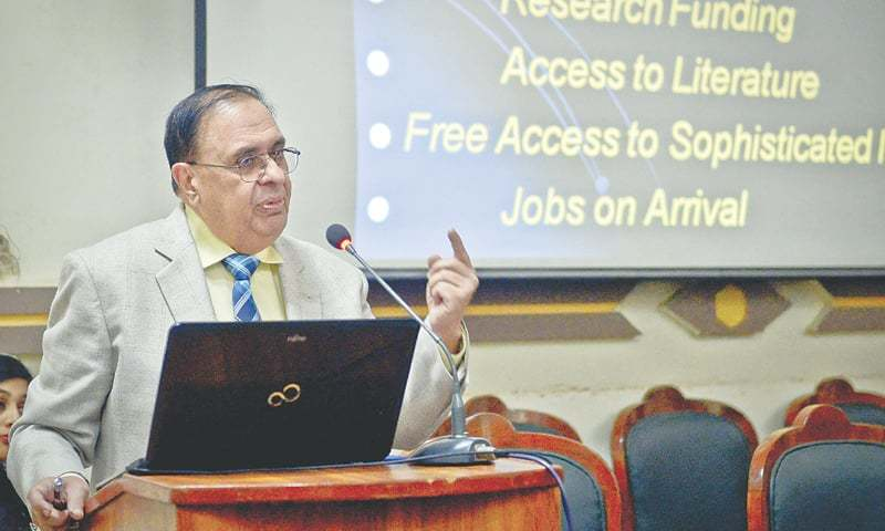 Dr Atta-ur-Rehman delivers his lecture at Karachi University.—White Star