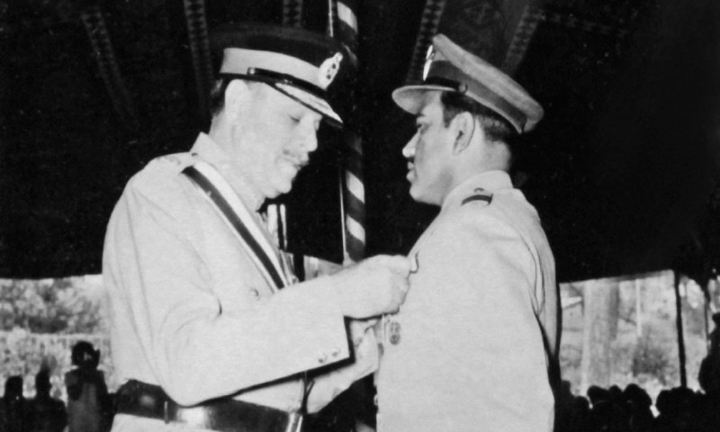 GEN Ayub Khan (above) awarding Sitara-i-Jurrat to Air Marshal Azim Daudpota after the 1965 war.