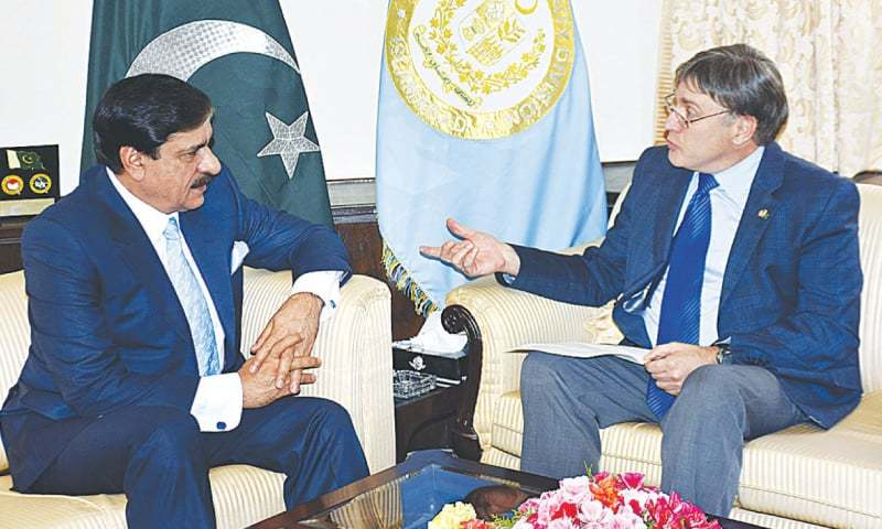 Pak. army chief meets Sharif amid tensions with India