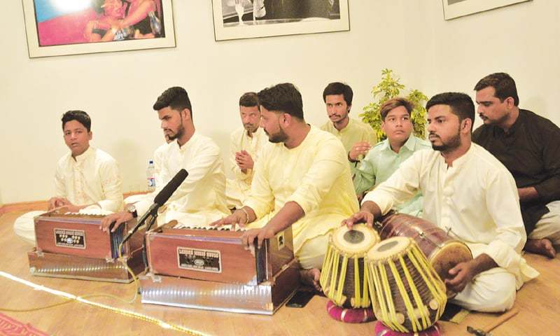 Hamza Akram and brothers perform at T2F on Sunday.—White Star