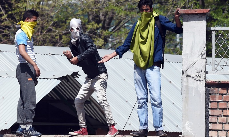 About 100 Kashmir students hurt in clash with Indian troops