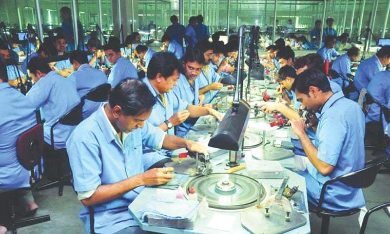 Workers at a diamond-cutting and polishing factory in Surat.