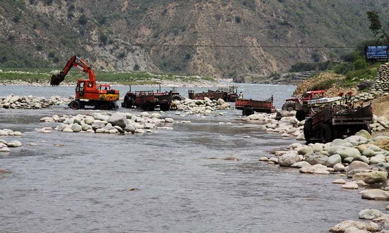 Mining in Poonch river using heavy machinery is destroying river habitats. ─ Photo courtesy Hagler Bailly Pakistan