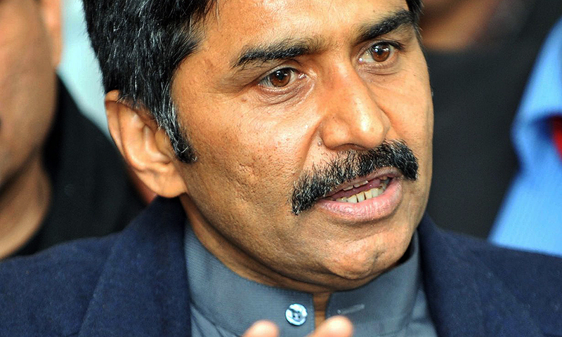 Shaharyar knows nothing about cricket: Miandad
