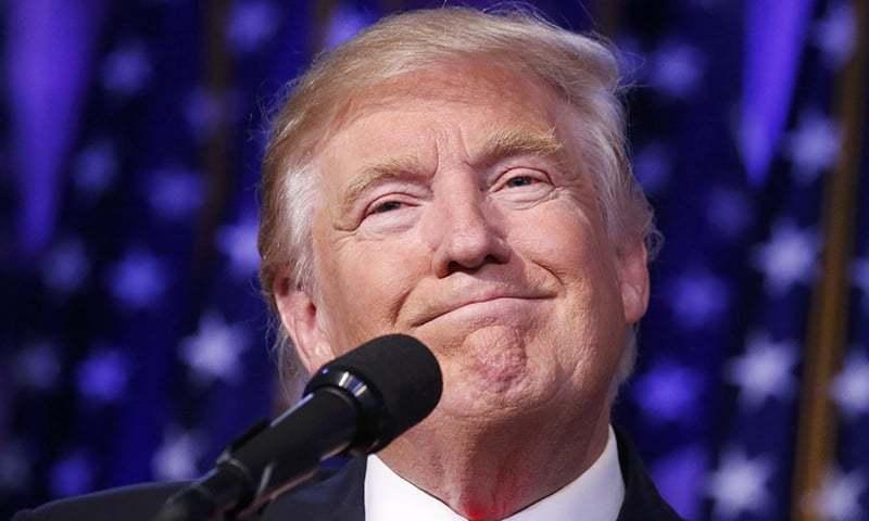 امریکی صدر دانستہ یا نادانستہ طور پر خبروں کا حصہ بنے رہتے ہیں—فوٹو: رائٹرز/ فائل