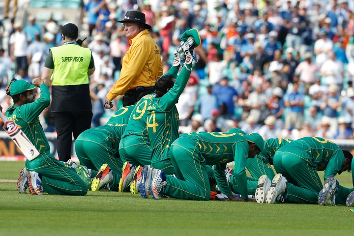 Pakistan PM announces Rs 10m each for Champions Trophy winners