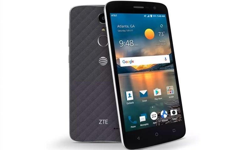 کمپنی کا دعویٰ ہے کہ یہ سستا ترین فون ہے—فوٹو: زیڈ ٹی ای
