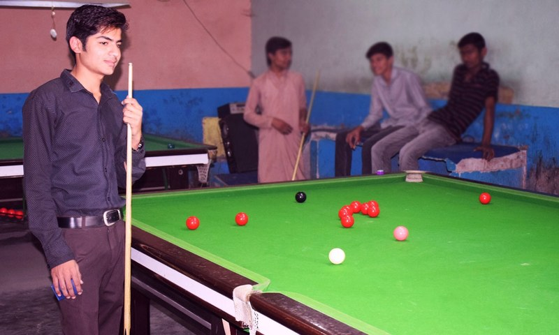 Akhtar at the City Snooker Club, which is located in the Fateh Sher Market of Sahiwal. This is the billiard club where he practiced daily for seven to eight hours for the past three years. — Photo by author