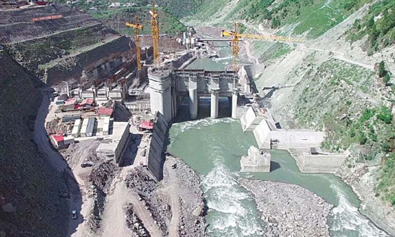 NEPRA will contune to allow a mix of local and foreign financing for large hydro projects while the exchange rate fluctuation will continue to exist for foreign financing.─File photo