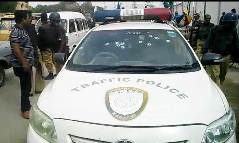 Traffic DSP, driver martyred in targeted attack in Karachi