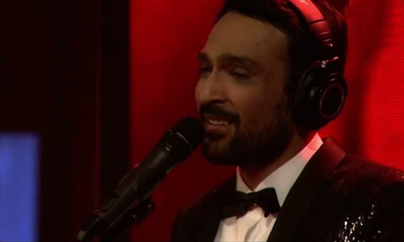 پہلی قسط کا سب سے بہترین گانا علی سیٹھی نے گایا — ۔