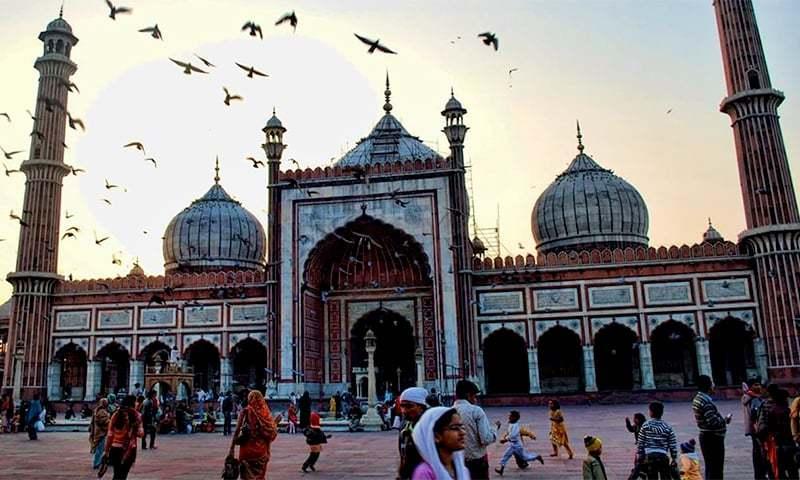 Jama Masjid, New Delhi. ─ Photo courtesy Wikimedia Commons