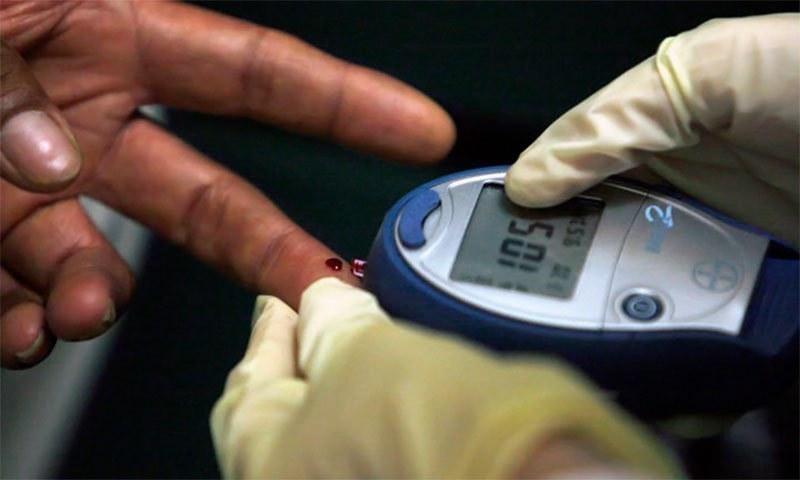 ذیابیطس کا ٹیسٹ —فائل فوٹو