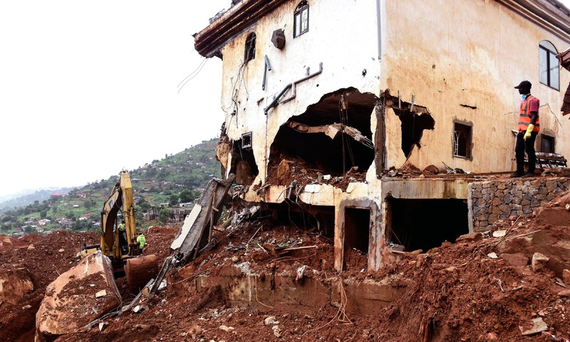 Kenyan leader mourns mudslide victims in Sierra Leone