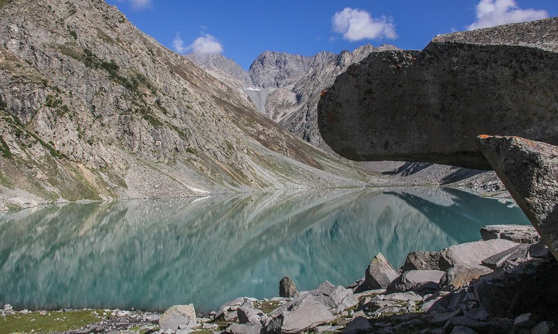 A breathtaking view of the Kooh Lake.─Photo by author