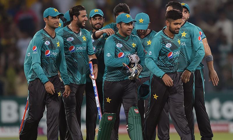 پاکستان نے آزادی کپ سیریز 2017 میں ورلڈ الیون کے خلاف 1-2 سے کامیابی حاصل کی — فوٹو / اے ایف پی