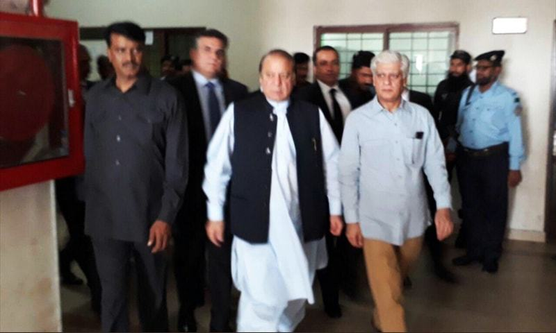 Former PM Nawaz Sharif comes out of the accountability court after the hearing.— Photo courtesy: Dr Asif Kirmani Twitter