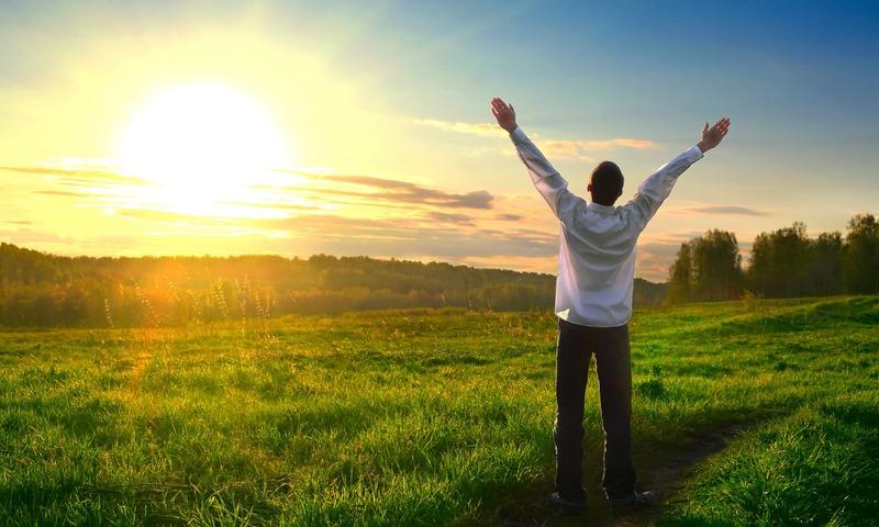 زندگی میں ان چند غلطیوں کو اگر ترک کردیا جائے تو نہ صرف ہم خوشحال ہوں گے بلکہ معاشرہ بھی بہتری کی جانب گامزن ہوسکتا ہے —شٹر اسٹاک