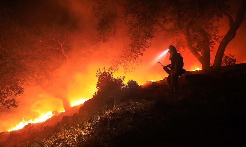 کیلی فورنیا آتشزدگی سے 3500 عمارتیں جل کر راکھ ہوئی—فوٹو:اے پی