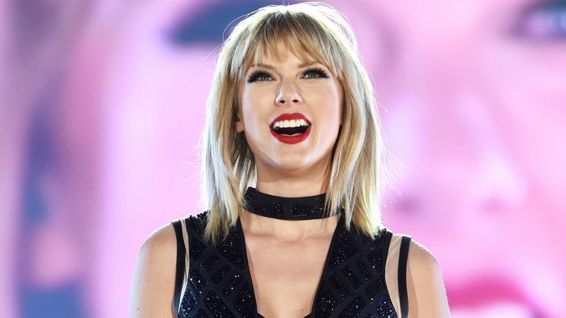 Taylor Swift holds secret listening party in London for new album 'Reputation'