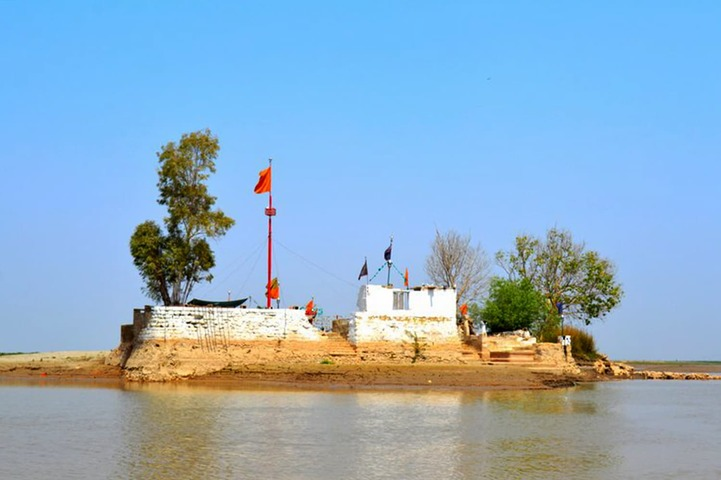 Khwaja Khizar's shrine as seen from the boat.