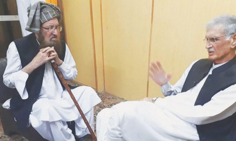 Nowshera: Khyber Pakhtunkhwa  Chief Minister Pervez Khattak calls  on Jamiat Ulema-i-Islam's  Maulana Samiul Haq on Monday.