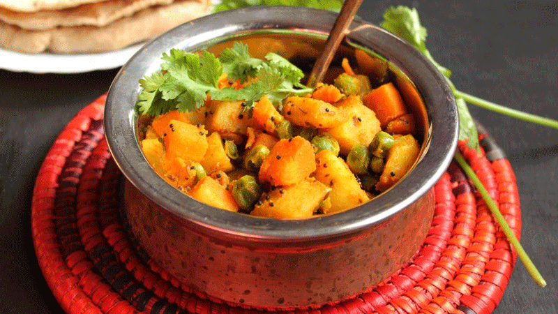 I'm a big fan of carrots, may it be sweet or savoury, or a little tangy, like the carrot achar.