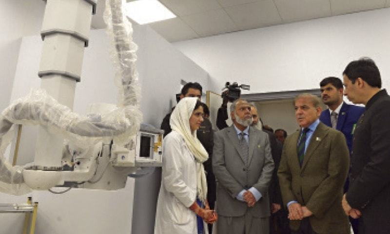 Chief Minister Shahbaz Sharif visits the first Pakistan Kidney and Liver Institute and Research Centre after its inauguration. — White Star / Murtaza Ali