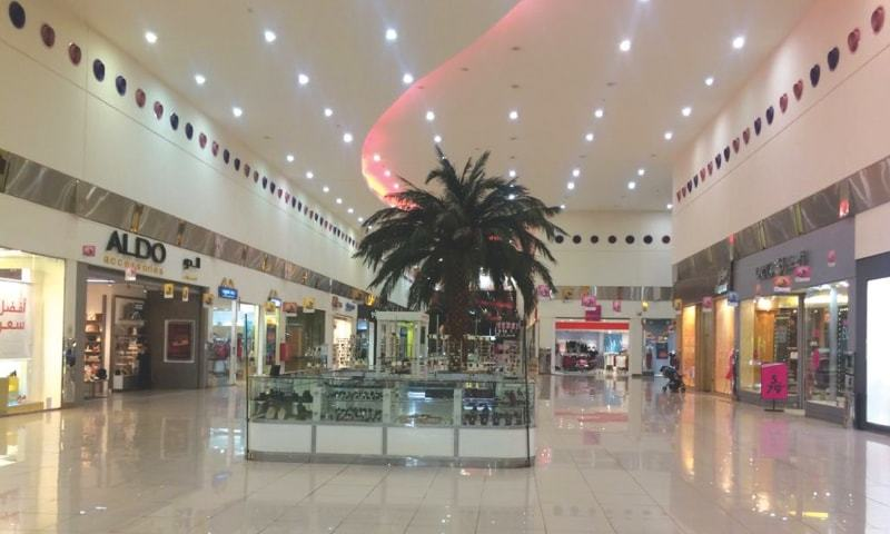A VIEW of a Jeddah shopping mall, frequented by expats from Pakistan, wearing a deserted look on a weekend.—Photo by writer
