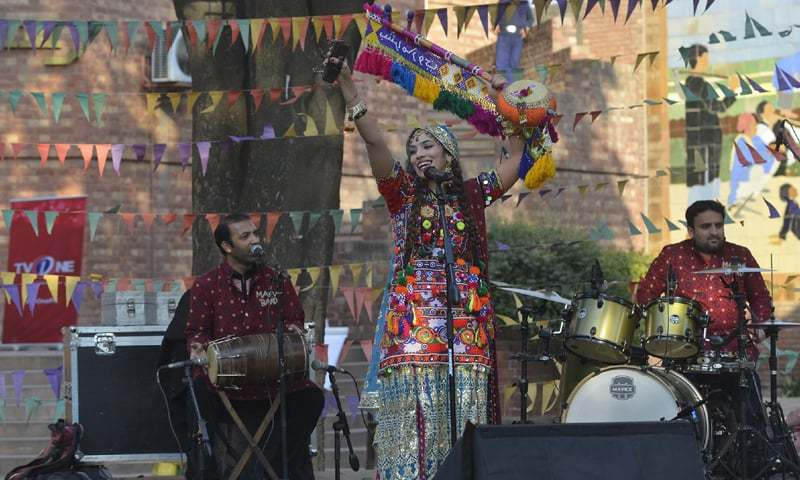 A showcase by Bushra Marvi at the Lahore Music Meet - Photography: M. Arif / White Star