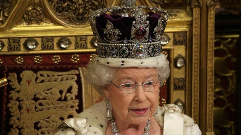 Queen shares secrets of wearing 'neck-breaking' crown