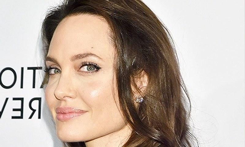 اداکارہ نے 2017 میں براڈ پٹ سے علیحدگی اختیار کی—فائل فوٹو: شٹر اسٹاک
