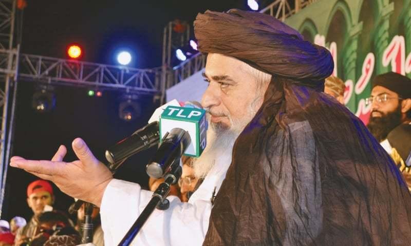 Allama Khadim Hussain Rizvi speaks at the public meeting on Sunday.—PPI