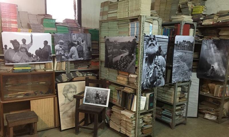 Akhtar Soomro's photos displayed inside Ooppervallee Gallery