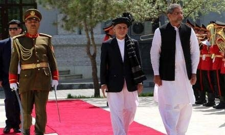 A guard of honour was presented by a contingent of the Afghan army to the premier upon arrival at the presidential palace in Kabul.— Photo courtesy: TOLO News