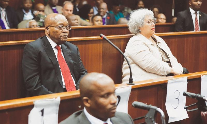 $2.5 bn arms deal: 'I am innocent,' Zuma tells cheering crowd