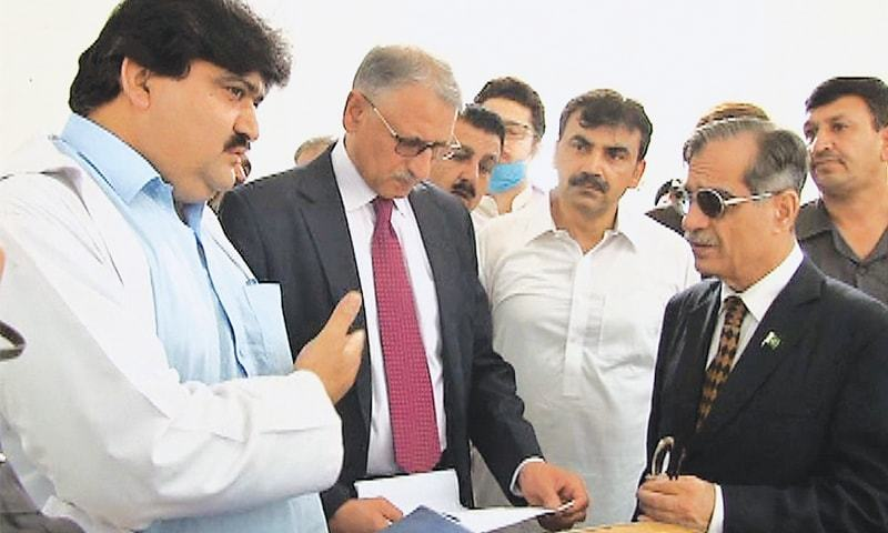 CHIEF Justice of Pakistan Justice Saqib Nisar pictured during a visit to an institute of mental health inside the Peshawar central jail on Wednesday.
