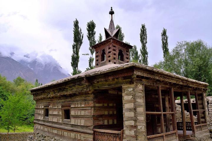 14th century Amburiq Mosque.—Photo by author