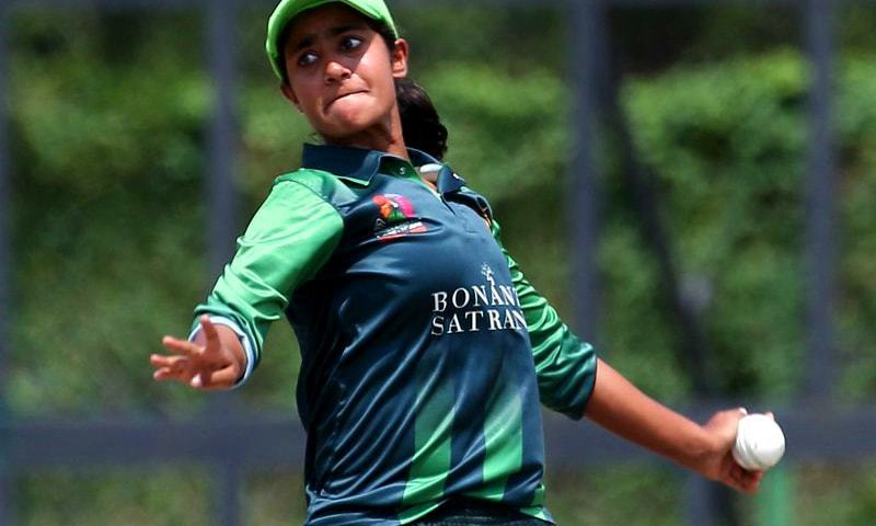 Nashra Sandhu bowling against Thailand on June 3, 2018 at the ACC T20 Asia Cup in Malaysia.—Photo by Asian Cricket Council