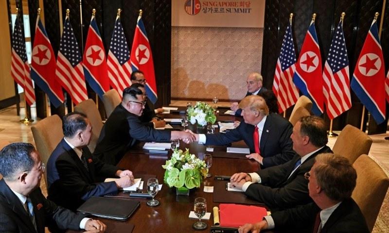 .دونوں ممالک کے سربراہ اپنے وفود کے ہمراہ مذاکرات کی میز پر موجود ہیں —فوٹو اے ایف پی