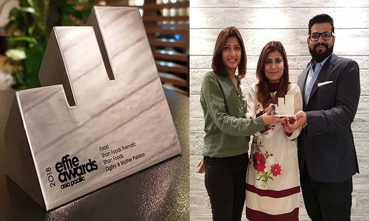 The #KhaanaWithParosi campaign wins hearts all across the world, and an award in Singapore.