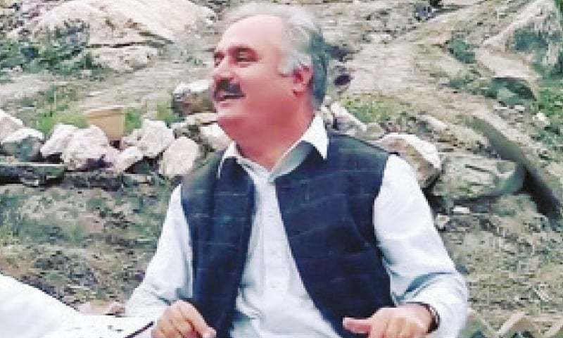 Popular Pashto singer Fayyaz Kheshgi. — File Photo
