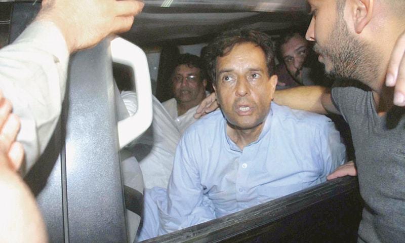 RETIRED Capt Mohammad Safdar Awan, son-in-law of former prime minister Nawaz Sharif, in custody of NAB on Sunday.—Online