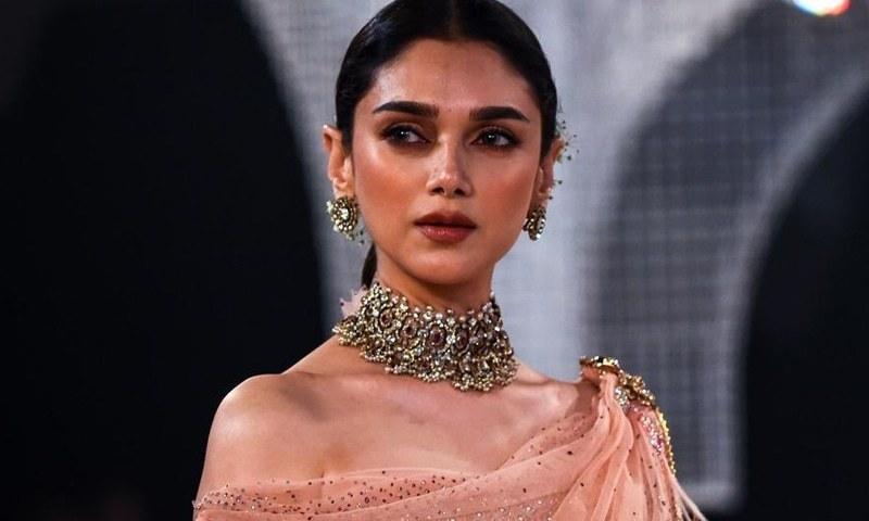 اداکارہ نے انکشاف کیا کہ ان سے کیریئر کے آغاز میں کام کے بدلے جنسی تعلقات رکھنے کا مطالبہ کیا گیا —۔