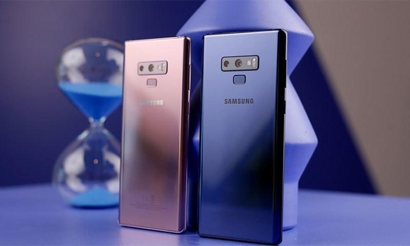 فون کو آن لائن فروخت کے لیے پیش کرتے ہوئے کمپنی نے انعامات کا بھی اعلان کیافوٹو بشکریہ انگیجیٹ ڈاٹ کام