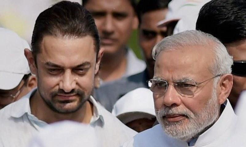 عامر خان بھارتی حکومت کے صفائی منصوبوں پر بھی ان کا ساتھ دے رہے ہیں—فوٹو: پریس ٹرسٹ آف انڈیا