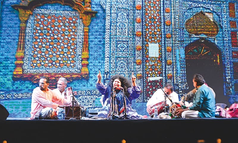 LEGENDARY artist Abida Parveen performs on Tuesday evening.—Faysal Mujeeb/White Star