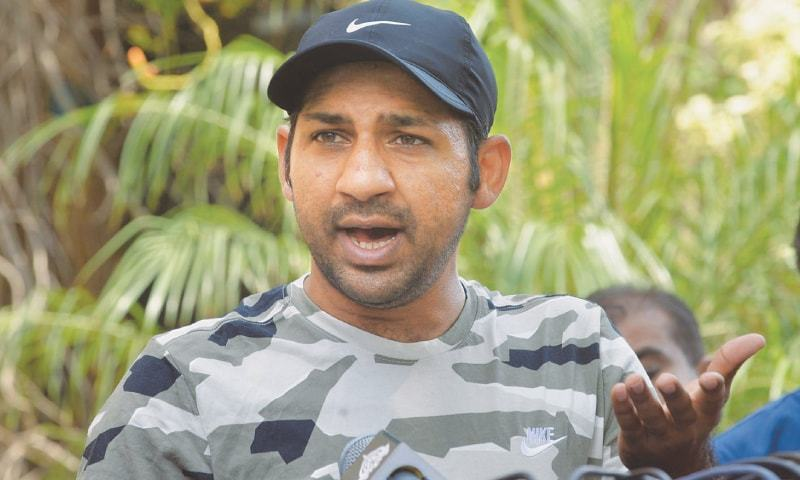 LAHORE: Pakistan captain Sarfraz Ahmed gestures during a news conference at the National Cricket Academy on Monday.—M. Arif/ White Star